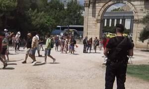 Τι συμβαίνει στο κέντρο της Αθήνας; Γιατί γέμισε πάνοπλους αστυνομικούς;