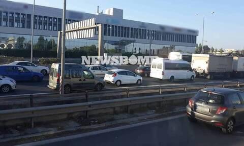 Σεισμός Αθήνα: Kυκλοφοριακό χάος στους δρόμους - Πού εντοπίζονται προβλήματα