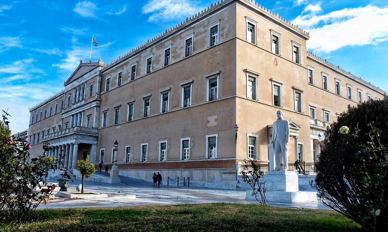 Σεισμός Αθήνα: Ζημιές και ρωγμές στο κτήριο της Βουλής