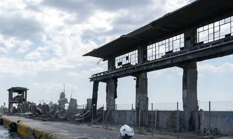 Σεισμός Αθήνα: Κατέρρευσε κτήριο στη Δραπετσώνα - Συγκλονιστικές εικόνες (pics)