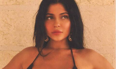 Οι followers της Kylie Jenner την κατηγορούν για photoshop και μάλλον έχουν δίκιο