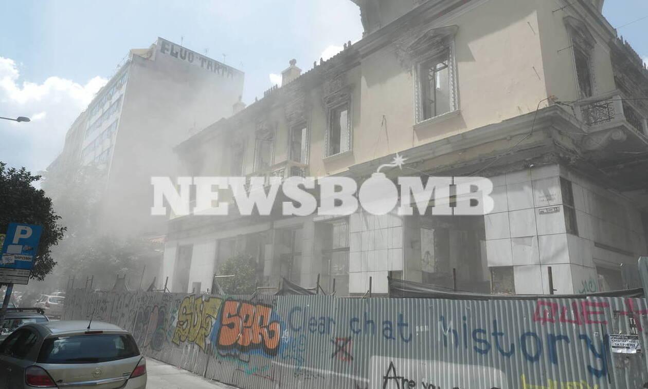 Σεισμός Αθήνα - Βίντεο: Τα 5,1 ρίχτερ χτυπούν την Αττική - Τα 15 δευτερόλεπτα τρόμου και πανικού