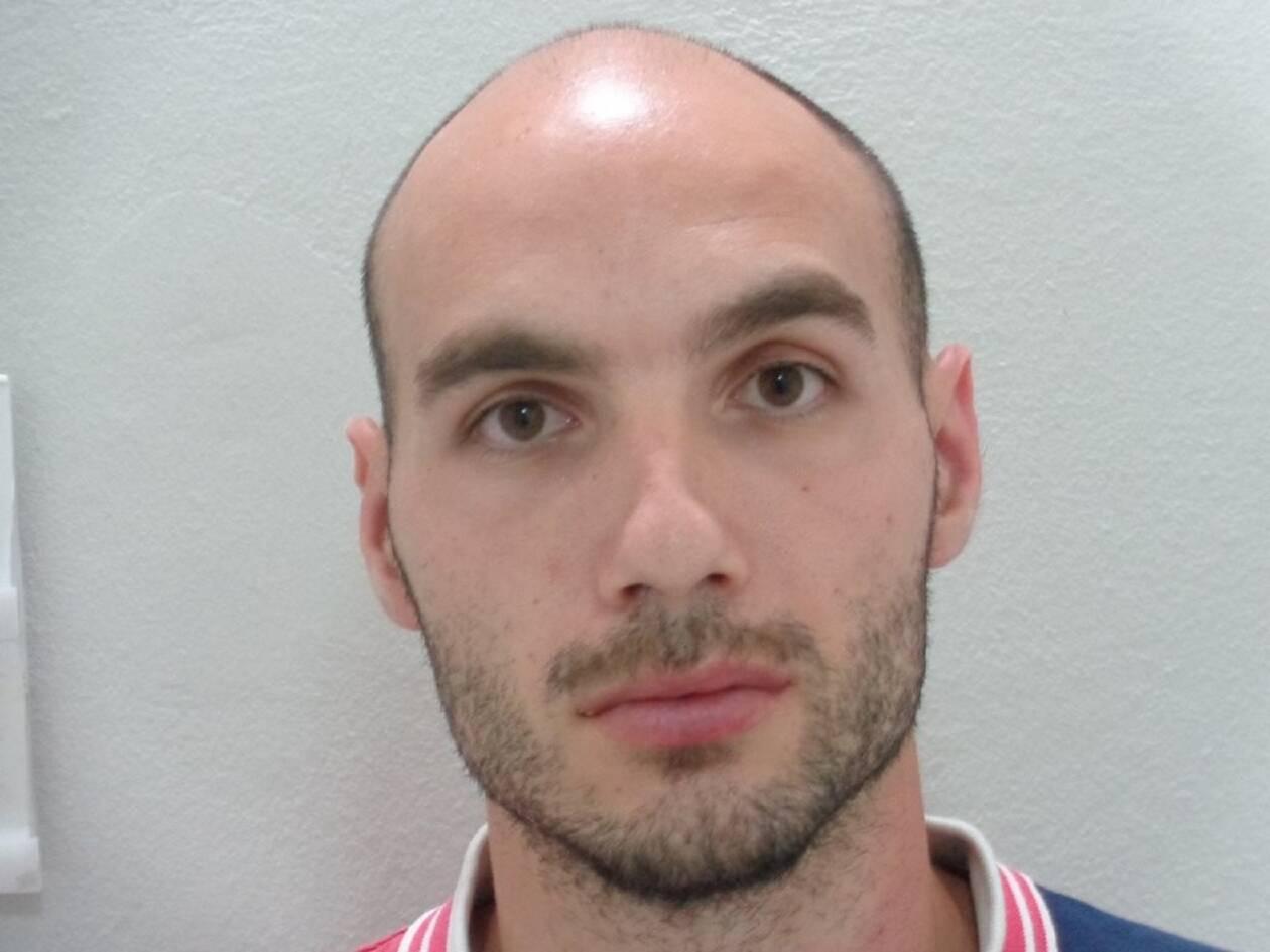 Ιωάννης Παρασκάκης:Αυτός είναι ο  27χρονος Κρητικός που  βίαζε ακόμα και νεκρή την 60χρονη Αμερικανίδα – Τι είπε στην απολογία του 1 1