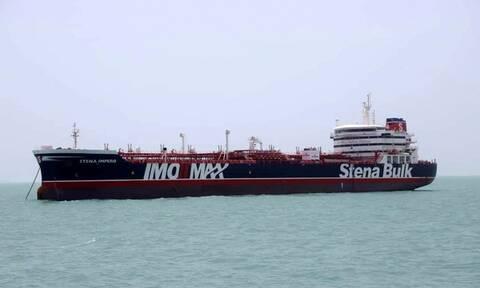 «Μυρίζει μπαρούτι»: Το Ιράν δημοσίευσε βίντεο από το βρετανικό δεξαμενόπλοιο