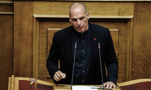 Βαρουφάκης: Ο λαός να αποδράσει από τη χρεοδουλοπαροικία που ερημοποιεί την Ελλάδα