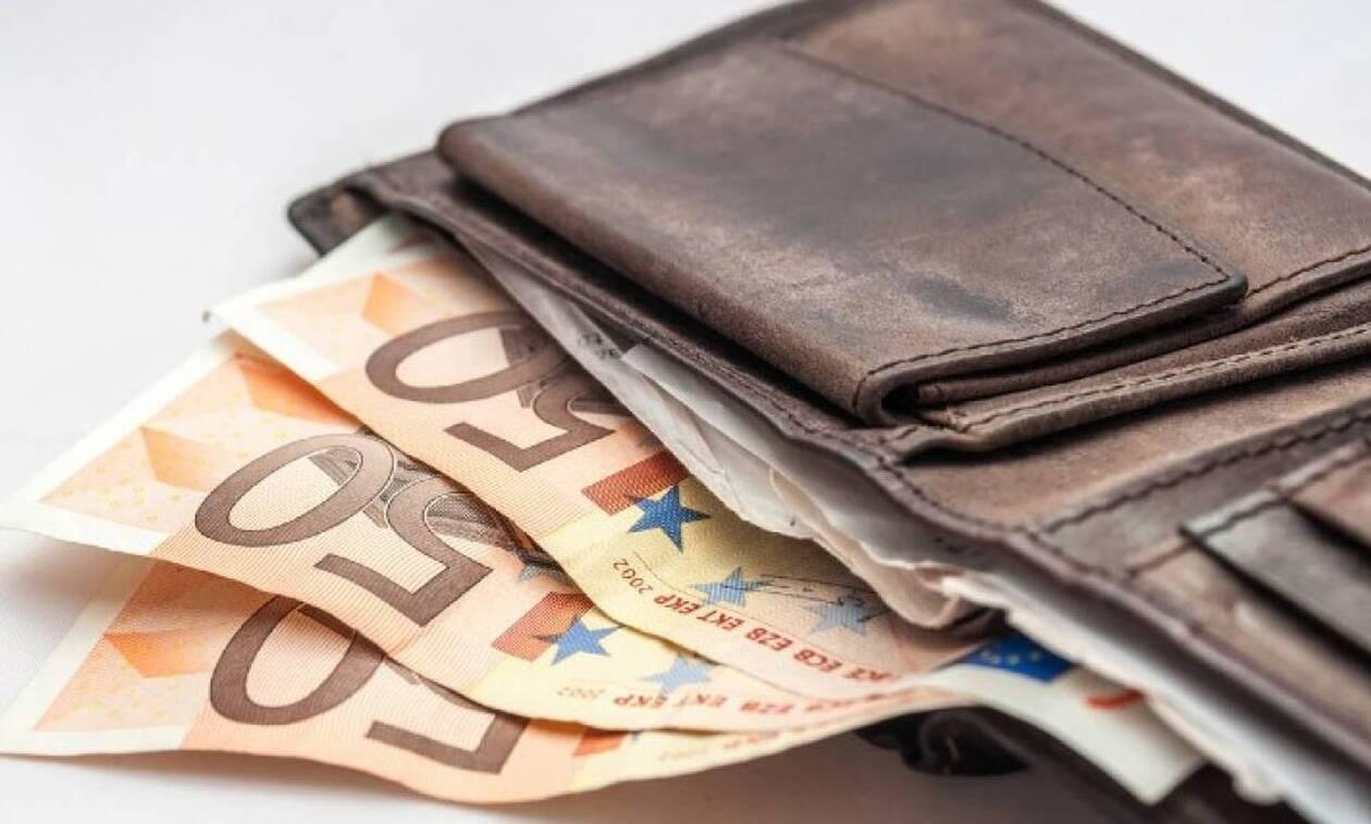 Στρατιωτικός βρήκε και παρέδωσε στην Αστυνομία πορτοφόλι με 1800 ευρώ