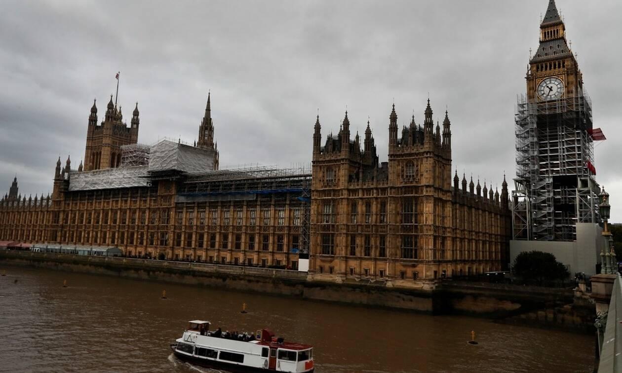 Kυρώσεις σε βάρος του Ιράν μετά τη σύλληψη δεξαμενόπλοιου στον Κόλπο ετοιμάζει το Λονδίνο