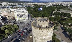 Θεσσαλονίκη: Πάρκαρε παράνομα – Δεν θα πιστεύετε τι έκαναν στο αμάξι του (pics)