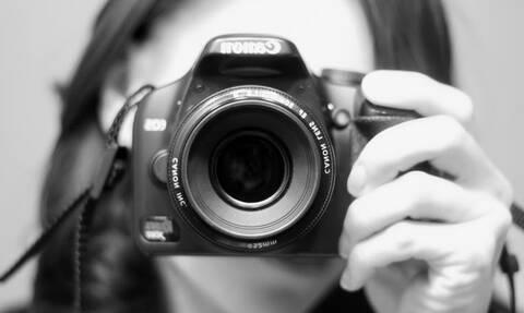 Φωτογράφιση ή φωτογράφηση; Γνωρίζετε τη διαφορά τους;