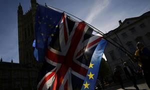 Brexit: Η Ευρωπαϊκή Επιτροπή προετοιμάζει ένα «τεράστιο πακέτο οικονομικής στήριξης» της Ιρλανδίας