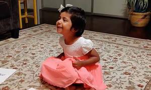 Δεν πάει ο νους σας τι μπορεί να πει αυτό το 3χρονο κοριτσάκι (vid)