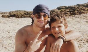 Άρης Αργυρόπουλος: Φωτογραφίες από τις καλοκαιρινές διακοπές με τα αδέρφια του (pics)