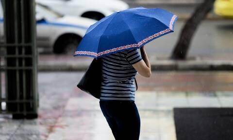 Καιρός: Αλλάζει το σκηνικό με βροχές, καταιγίδες και πτώση της θερμοκρασίας