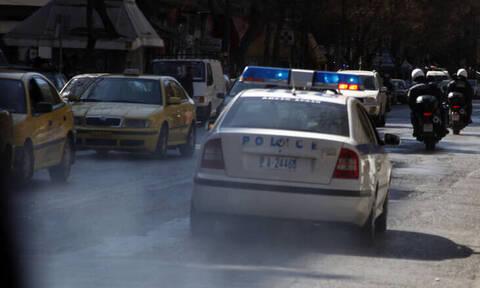 Κινηματογραφική καταδίωξη στο Μενίδι - Τραυματίστηκαν τρεις αστυνομικοί