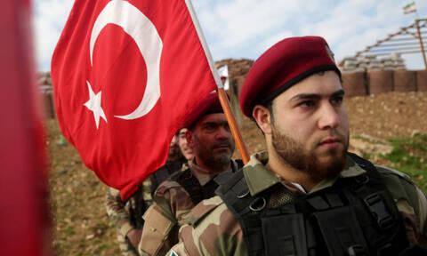 Γιατί οι Τούρκοι φαντάροι αγοράζουν... σερβιέτες με φτερά στα ΚΨΜ;