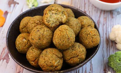 Πανεύκολη συνταγή για κεφτεδάκια λαχανικών