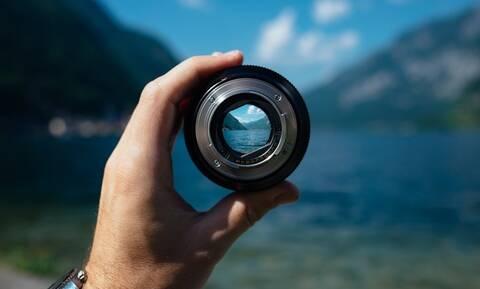 Η φωτογραφική μηχανή που πρέπει να έχεις μαζί σου στις καλοκαιρινές διακοπές – Οδηγός επιλογής