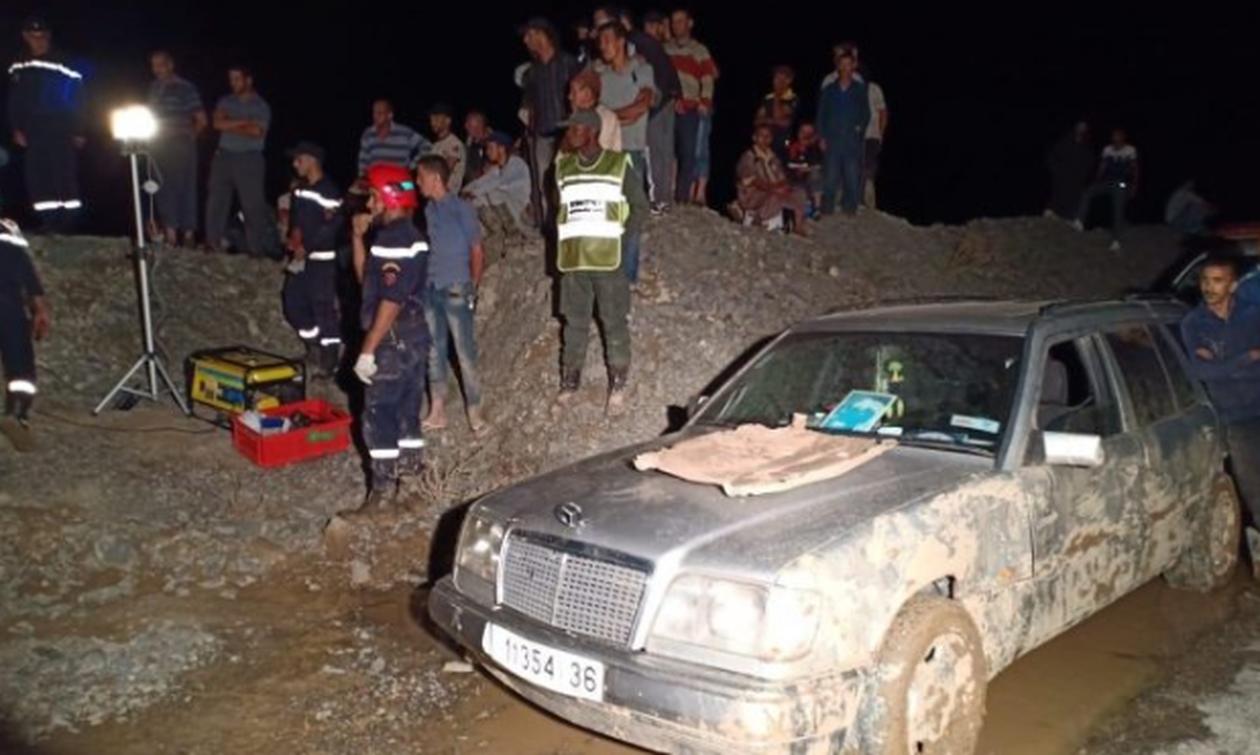 Τραγωδία: Βανάκι με πολλούς επιβάτες θάφτηκε στη λάσπη – 18 νεκροί
