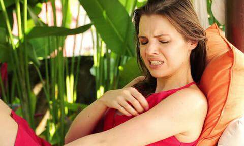 Μεγάλη αλήθεια: Γιατί τσιμπάνε εσένα τα κουνούπια και όχι τους άλλους;