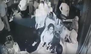 Μακελειό σε νυχτερινό μαγαζί: Σκότωσε εν ψυχρώ 5 άτομα - Προσοχή! Σκληρές εικόνες
