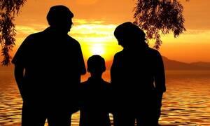 Επίδομα παιδιού Α21: Ποιοι πρέπει να επιστρέψουν χρήματα στον ΟΠΕΚΑ