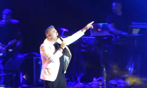 Μύκονος: Δείτε πόσο κόστιζε το εισιτήριο στη συναυλία του Ρέμου