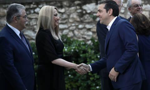 To επιτελικό κράτος έφερε πιο κοντά ΣΥΡΙΖΑ - ΚΙΝΑΛ και ΚΚΕ