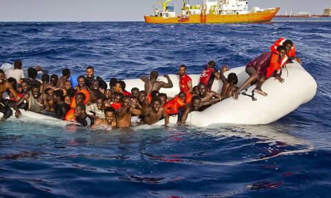 Ο Σαλβίνι απαγορεύει την αποβίβαση 135 μεταναστών στην Ιταλία