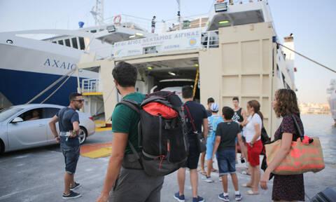 «Αδειάζει» η Αθήνα: Με πλοία, αεροπλάνα και… 40άρια εγκαταλείπουν την πρωτεύουσα