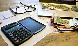 Φορολογία: Αυτές είναι οι αλλαγές σε ΦΠΑ, ΕΝΦΙΑ και τέλος επιτηδεύματος