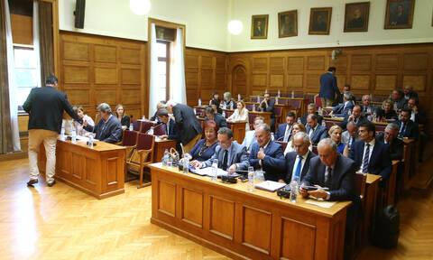 Βουλή: Κόντρα με το «καλημέρα» - Σπίρτζης και Καστανίδης κατά Γεραπετρίτη