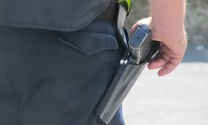 Καλάβρυτα: Απείλησε με μαχαίρι και όπλο τον ανιψιό του