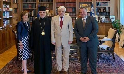 Επίσημη πρόσκληση στον Παυλόπουλο για τα θυρανοίξια του Ι.Ν των Αγίων Κωνσταντίνου και Ελένης