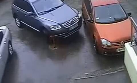 Αυτό είναι το χειρότερο παρκάρισμα στην ιστορία! (vid)