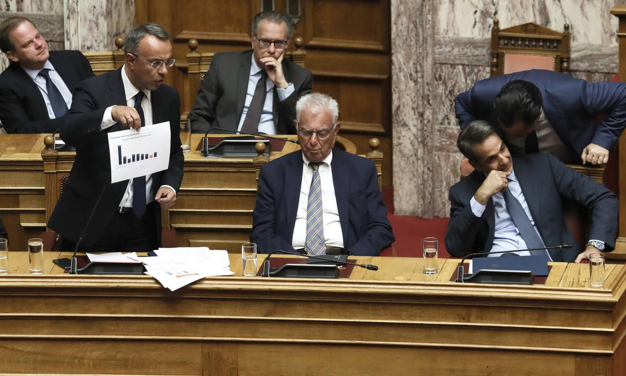 Βουλή: Υπερψηφίστηκε το φορολογικό νομοσχέδιο - Τι αλλάζει σε ΕΝΦΙΑ και 120 δόσεις