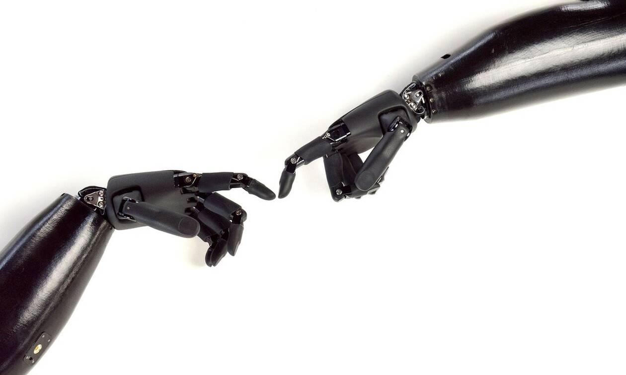 Χέρι-ρομπότ ξαναδίνει στο χρήστη του την αίσθηση της αφής