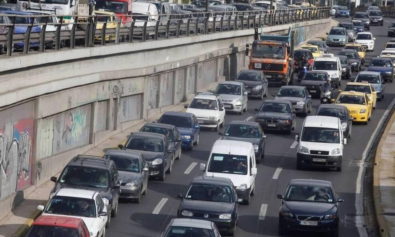 Κίνηση στους δρόμους: Χάος στην Εθνική - Πού εντοπίζονται τα περισσότερα προβλήματα