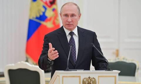 Путин подписал закон, позволяющий получать номерные знаки для автомобилей у изготовителей