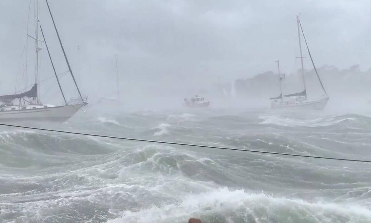 Ταξιδεύουν με τα σκάφη τους και πέφτουν πάνω σε θύελλα! Δείτε τι ακολουθεί... (video)