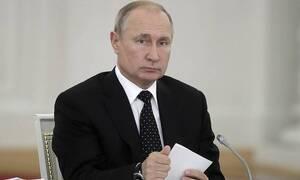 Путин распорядился подключить Минобороны к тушению пожаров в Сибири