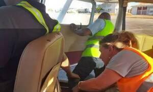 Τραγωδία στη Μαδαγασκάρη: 19χρονη έπεσε από αεροπλάνο (pics)