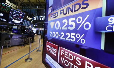 ΗΠΑ: Πτώση στα χρηματιστήρια μετά την μείωση των επιτοκίων από τη Fed