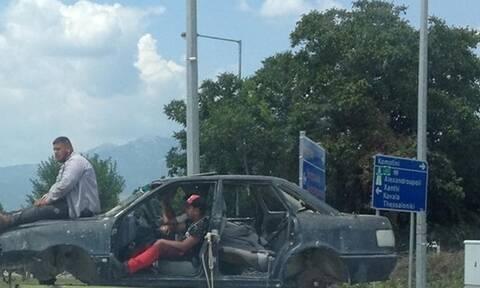 Τρελό γέλιο! Δεν θα πιστεύετε πως κινείται αυτό το αυτοκίνητο! (pic)