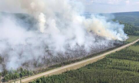 Ανεξέλεγκτες φωτιές στη Σιβηρία: Στη μάχη της κατάσβεσης και ο στρατός