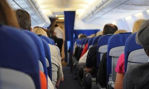Αναστάτωση σε πτήση: Το «σκοτεινό» μήνυμα που έγραφαν οι χαρτοπετσέτες (pics)