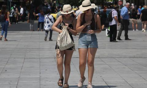 Καιρός: «Καμίνι» η χώρα το Σάββατο – Πού θα σημειωθούν 42άρια