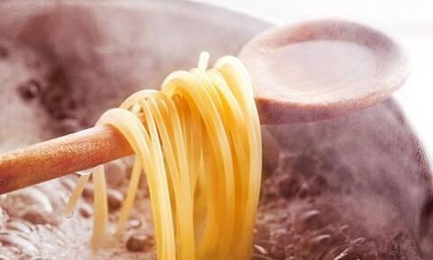 Τρομερό: Τόσο καιρό μαγειρεύαμε λάθος τα μακαρόνια μας!