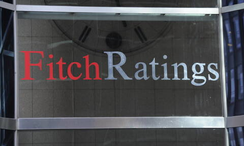 Fitch: Παραμένει στο «BB-» η πιστοληπτική ικανότητα της Ελλάδας