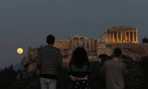 Κι όμως όσοι μείνουν στην Αθήνα μπορούν να περάσουν τέλεια!