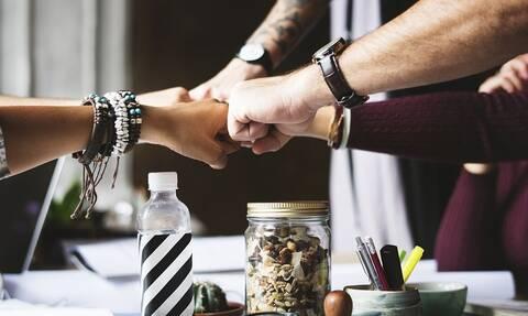 Νέα προγράμματα για τις μικρομεσαίες επιχειρήσεις